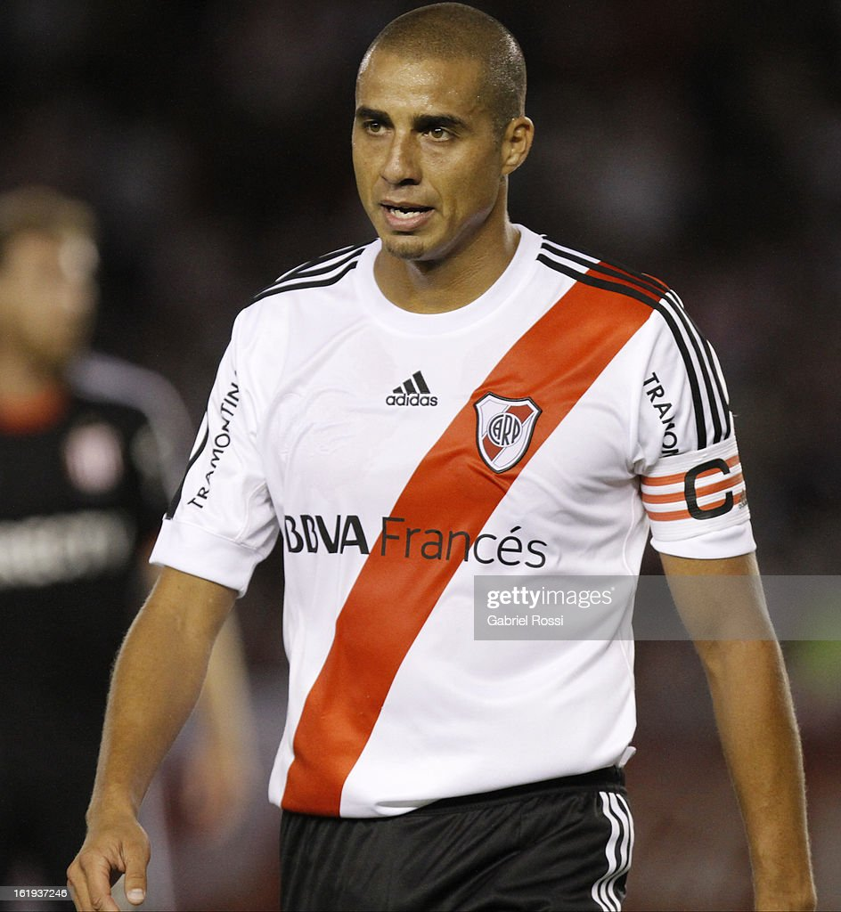 <a gi-track='captionPersonalityLinkClicked' href=/galleries/search?phrase=David+Trezeguet&family=editorial&specificpeople=212945 ng-click='$event.stopPropagation()'>David Trezeguet</a> of River Plate during the match between River Plate and Estudiantes of Torneo Final 2013 on February 17, 2013 in Buenos Aires, Argentina.