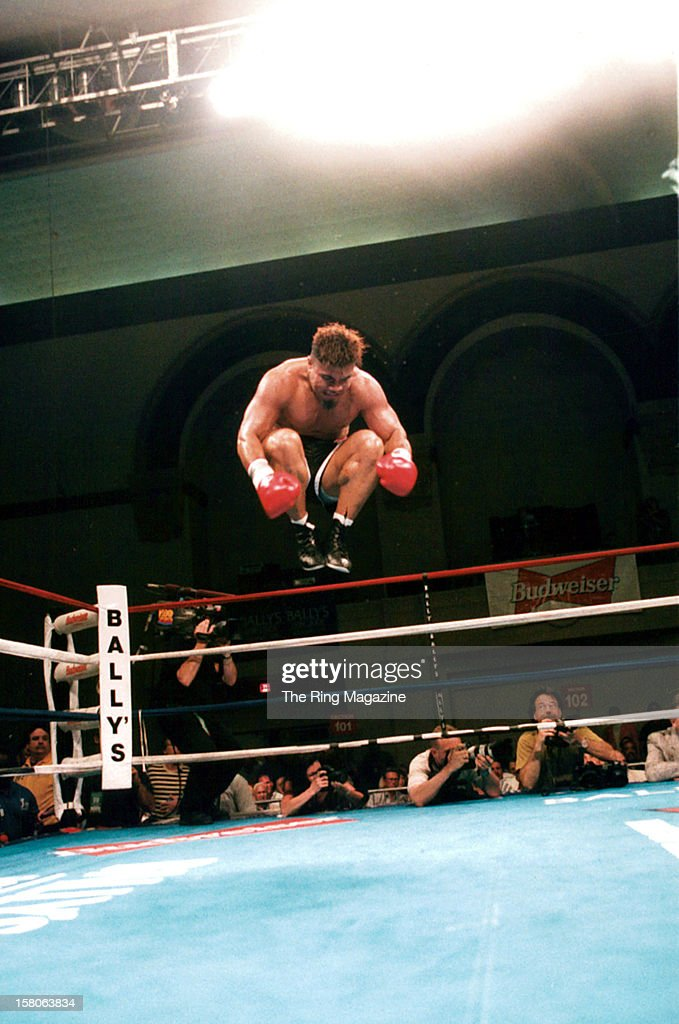 <a gi-track='captionPersonalityLinkClicked' href=/galleries/search?phrase=David+Tua&family=editorial&specificpeople=220232 ng-click='$event.stopPropagation()'>David Tua</a> jumps in the ring before the fight against Nate Tubbs at the Convention Center, on May 30,1998 in Atlantic City, New Jersey. <a gi-track='captionPersonalityLinkClicked' href=/galleries/search?phrase=David+Tua&family=editorial&specificpeople=220232 ng-click='$event.stopPropagation()'>David Tua</a> won by a KO 2. The Ring Magazine/Getty Images)
