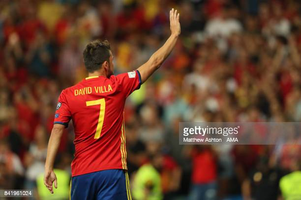 David Villa of Spain salutes the crowd during the FIFA 2018 World Cup Qualifier between Spain and Italy at Estadio Santiago Bernabeu on September 2...