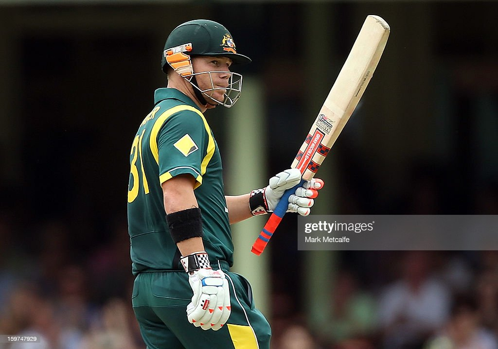 David Warner of Australia acknowledges the crowd after scoring a half century during game four of the Commonwealth Bank one day international series between Australia and Sri Lanka at Sydney Cricket Ground on January 20, 2013 in Sydney, Australia.