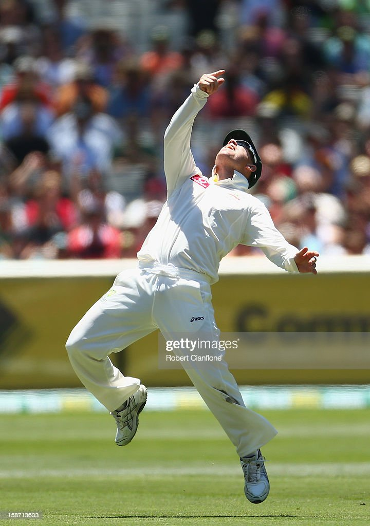 David Warner of Australia celebrates taking a catch to dismiss Thilan Samaraweera of Sri Lanka during day one of the Second Test match between Australia and Sri Lanka at Melbourne Cricket Ground on December 26, 2012 in Melbourne, Australia.