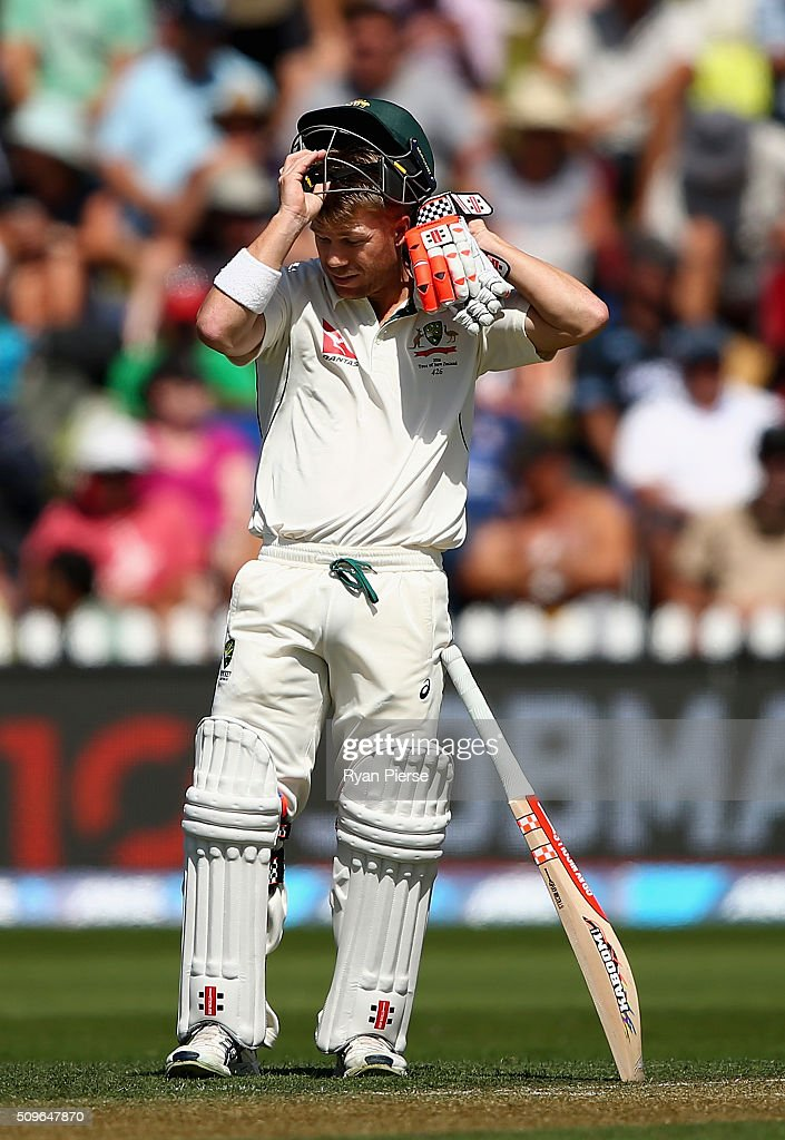 <a gi-track='captionPersonalityLinkClicked' href=/galleries/search?phrase=David+Warner+-+Cricketspieler&family=editorial&specificpeople=4262255 ng-click='$event.stopPropagation()'>David Warner</a> of Australia prepares to bat during day one of the Test match between New Zealand and Australia at Basin Reserve on February 12, 2016 in Wellington, New Zealand.