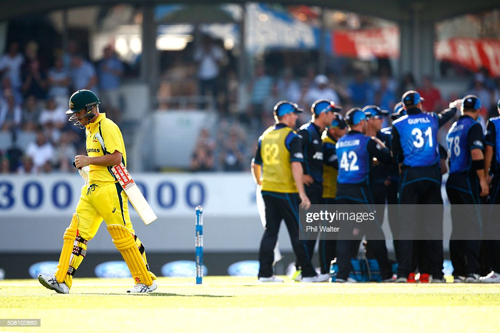 <a gi-track='captionPersonalityLinkClicked' href=/galleries/search?phrase=David+Warner+-+Cricket+Player&family=editorial&specificpeople=4262255 ng-click='$event.stopPropagation()'>David Warner</a> of Australia walks off the field out LBW off the bowling of Trent Boult of New Zealand during the One Day International match between New Zealand and Australia at Eden Park on February 3, 2016 in Auckland, New Zealand.