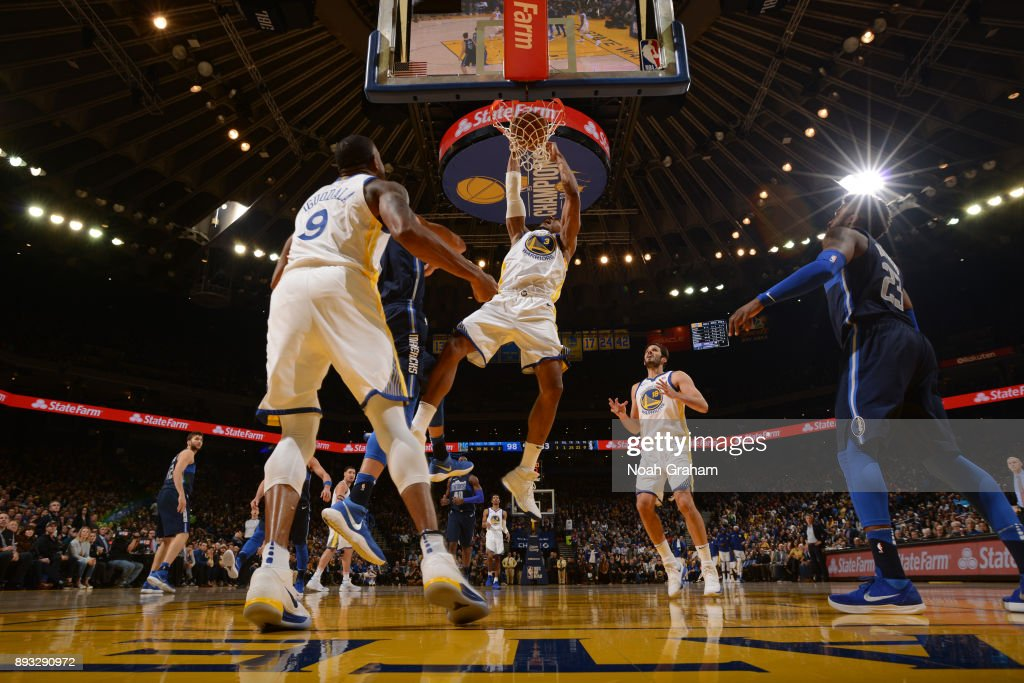 David West #3 of the Golden State Warriors dunks against the Dallas Mavericks on December 14, 2017 at ORACLE Arena in Oakland, California.