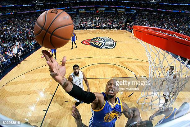 David West of the Golden State Warriors shoots a lay up during the game against the New Orleans Pelicans on December 13 2016 at the Smoothie King...