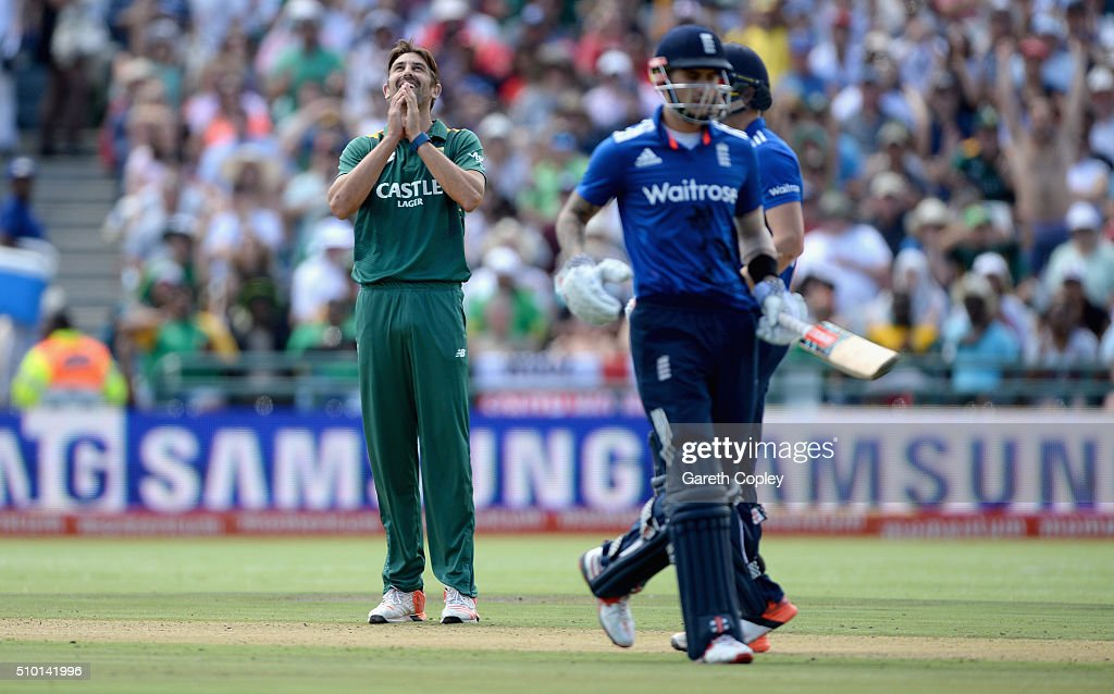 David Wiese of South Africa celebrates dismissing Chris Woakes of England during the 5th Momentum ODI match between South Africa and England at Newlands Stadium on February 14, 2016 in Cape Town, South Africa.