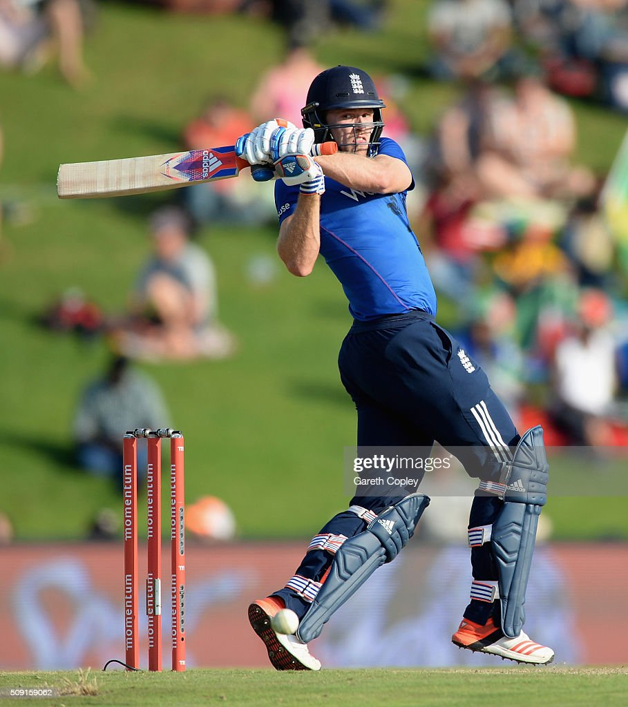 <a gi-track='captionPersonalityLinkClicked' href=/galleries/search?phrase=David+Willey+-+Cricketer&family=editorial&specificpeople=14835104 ng-click='$event.stopPropagation()'>David Willey</a> of England bats during the 3rd Momentum ODI match between South Africa and England at Supersport Park on February 9, 2016 in Centurion, South Africa.