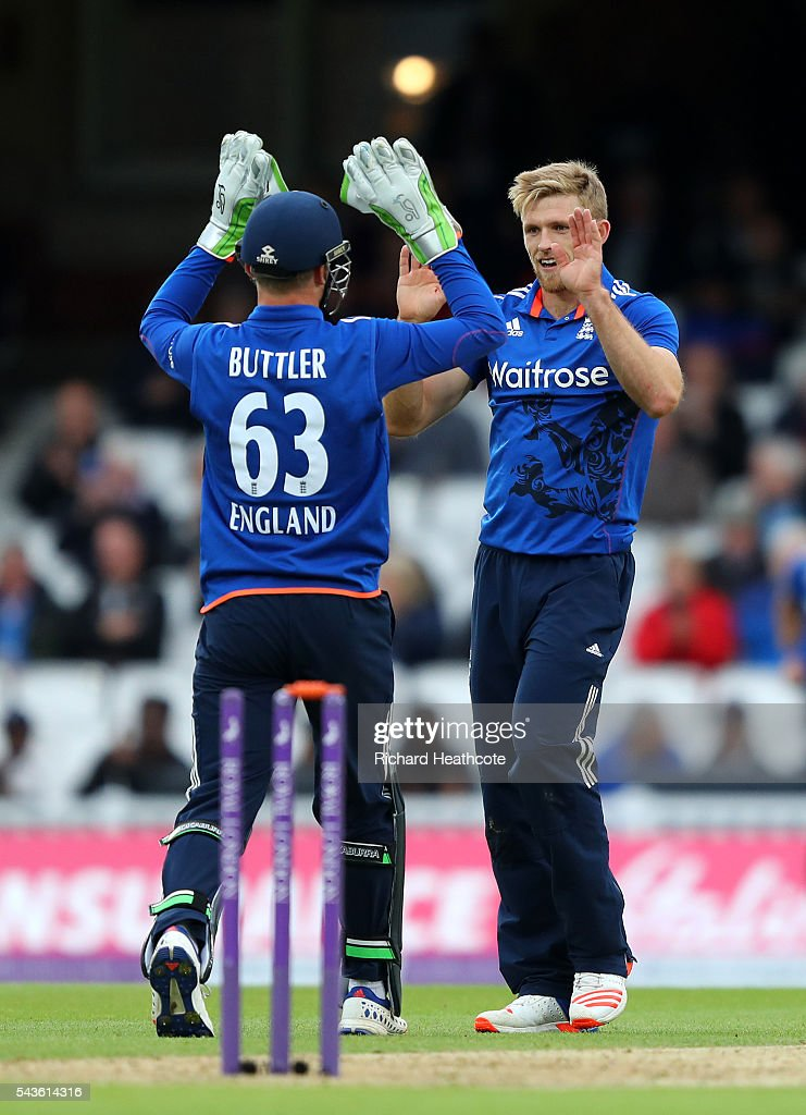 <a gi-track='captionPersonalityLinkClicked' href=/galleries/search?phrase=David+Willey+-+Cricketer&family=editorial&specificpeople=14835104 ng-click='$event.stopPropagation()'>David Willey</a> of England celebrates taking the wicket of Dinesh Chandimal during the 4th Royal London ODI between England and Sri Lanka at The Kia Oval on June 29, 2016 in London, England.