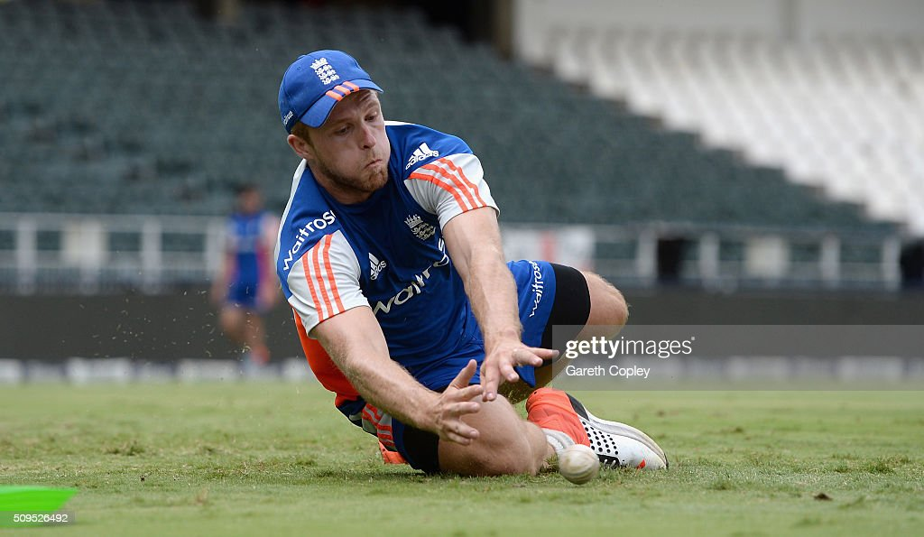 <a gi-track='captionPersonalityLinkClicked' href=/galleries/search?phrase=David+Willey+-+Cricketer&family=editorial&specificpeople=14835104 ng-click='$event.stopPropagation()'>David Willey</a> of England fields the ball during a nets session at Bidvest Stadium on February 11, 2016 in Johannesburg, South Africa.