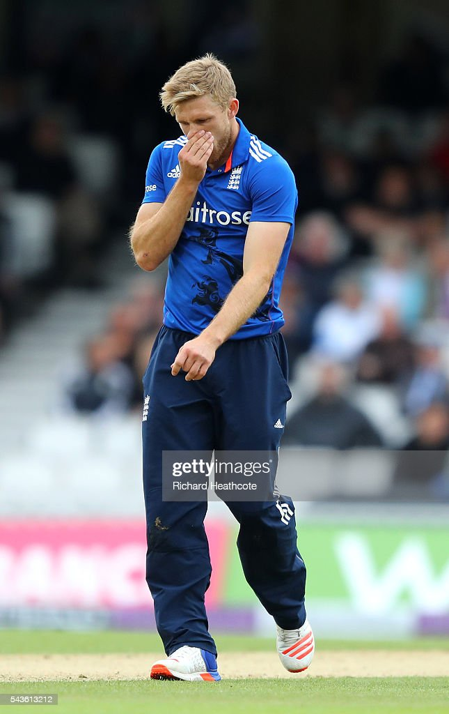 <a gi-track='captionPersonalityLinkClicked' href=/galleries/search?phrase=David+Willey+-+Cricketer&family=editorial&specificpeople=14835104 ng-click='$event.stopPropagation()'>David Willey</a> of England reacts to a delivery during the 4th Royal London ODI between England and Sri Lanka at The Kia Oval on June 29, 2016 in London, England.