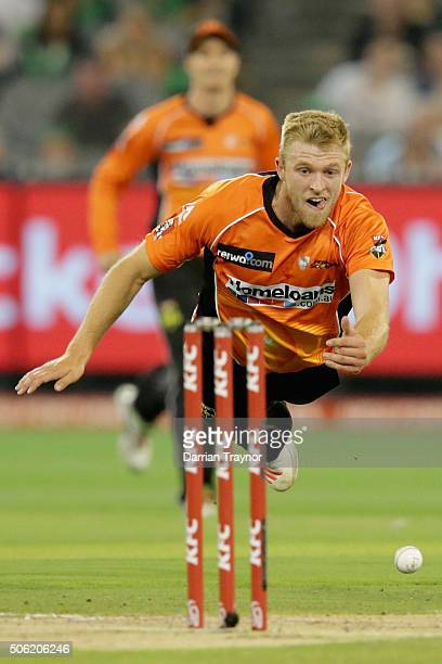 David Willey of the Scorchers attempts to run out Luke Wright of the Melbourne Stars during the Big Bash League Semi Final match between the...