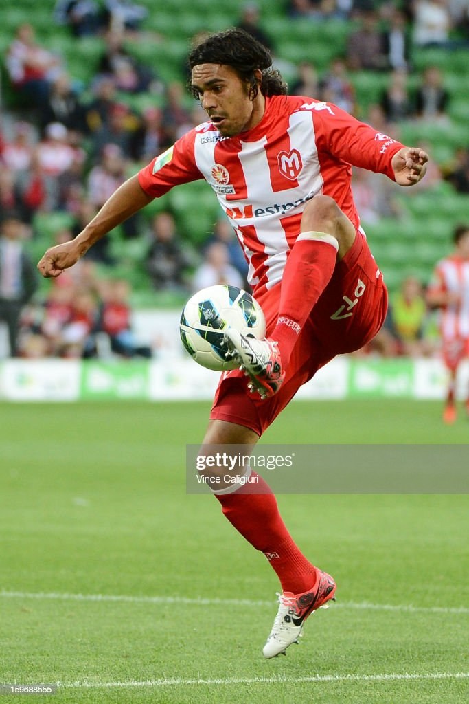 David Williams of the Heart controls the ball during the round seventeen A-League match between Melbourne Heart and Adelaide United at AAMI Park on January 18, 2013 in Melbourne, Australia.
