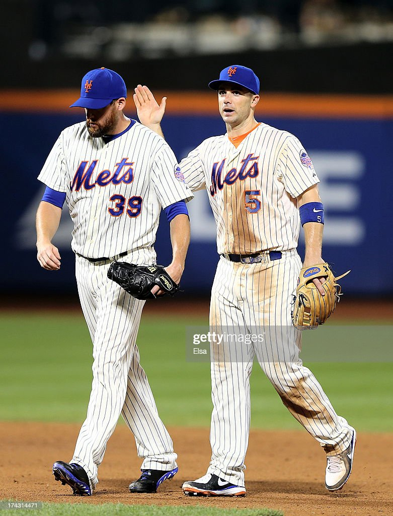 <a gi-track='captionPersonalityLinkClicked' href=/galleries/search?phrase=David+Wright&family=editorial&specificpeople=209172 ng-click='$event.stopPropagation()'>David Wright</a> #5 congratulates <a gi-track='captionPersonalityLinkClicked' href=/galleries/search?phrase=Bobby+Parnell&family=editorial&specificpeople=5530596 ng-click='$event.stopPropagation()'>Bobby Parnell</a> #39 of the New York Mets after the win over the Atlanta Braves on July 23, 2013 at Citi Field in the Flushing neighborhood of the Queens borough of New York City.The New York Mets defeated the Atlanta Braves 4-1.