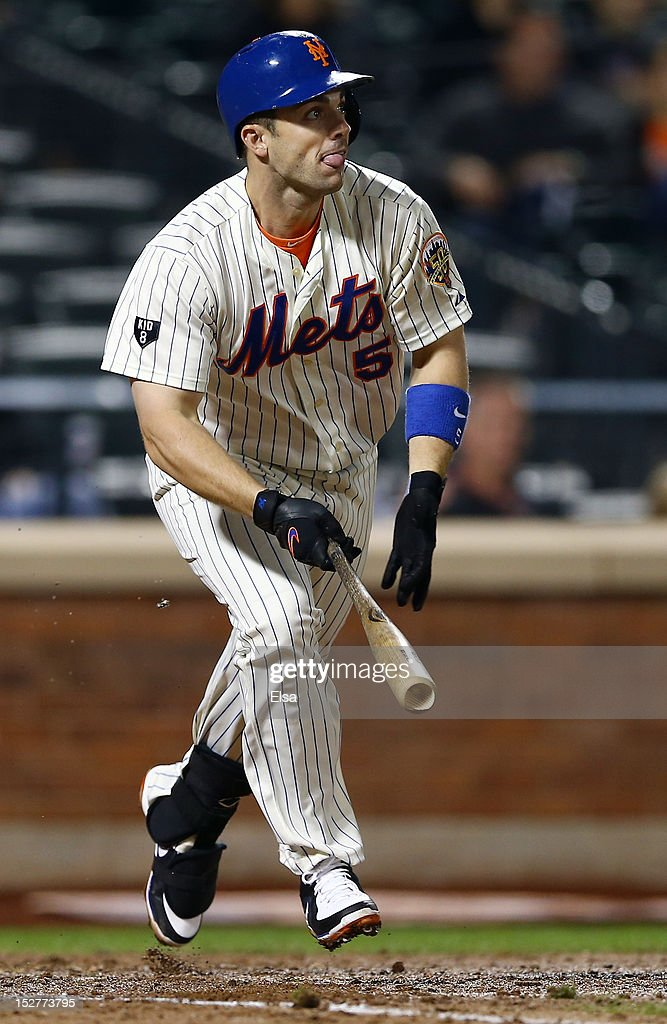 <a gi-track='captionPersonalityLinkClicked' href=/galleries/search?phrase=David+Wright+-+Baseball+Player&family=editorial&specificpeople=209172 ng-click='$event.stopPropagation()'>David Wright</a> #5 of the New York Mets hits a 2 RBI single and gets his 1,418th career hit in the seventh inning against the Pittsburgh Pirates on September 25, 2012 at Citi Field in the Flushing neighborhood of the Queens borough of New York City.