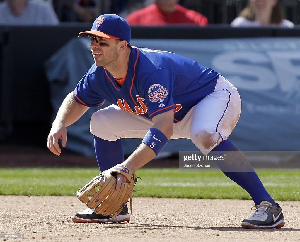 David Wright #5 of the New York Mets is seen on the field in the eighth inning against the Philadelphia Phillies at Citi Field on April 27, 2013 in the Flushing neighborhood of the Queens borough of New York City. (Photo by Jason Szenes/Getty Images