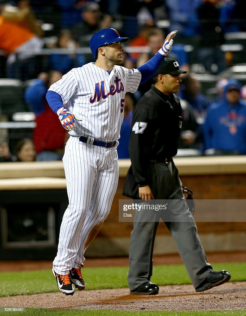 <a gi-track='captionPersonalityLinkClicked' href=/galleries/search?phrase=David+Wright&family=editorial&specificpeople=209172 ng-click='$event.stopPropagation()'>David Wright</a> #5 of the New York Mets reacts after he scored in the third inning against the San Francisco Giants at Citi Field on April 29, 2016 in the Flushing neighborhood of the Queens borough of New York City.