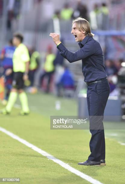 Davide Nicola talks with players Crotone during the match Fc Crotone vs ACF Fiorentina of Serie A Crotone won 21