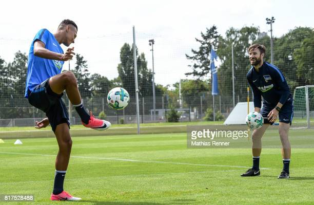 Davie Selke and athletic trainer Hendrik Vieth of Hertha BSC during the training on July 18 2017 in Berlin Germany