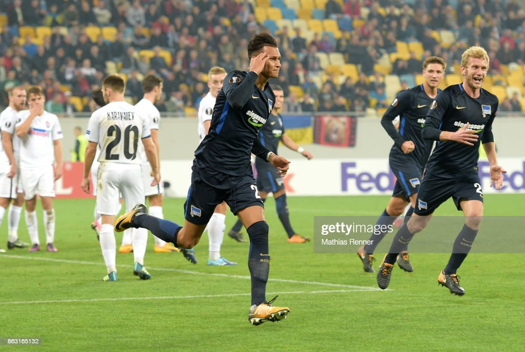 Davie Selke and Fabian Lustenberger of Hertha BSC celebrate after scoring the 1:1 during the Europa League group J game between Zorya Luhansk against Hertha BSC on October 19, 2017 in Lwiw, Ukraine.