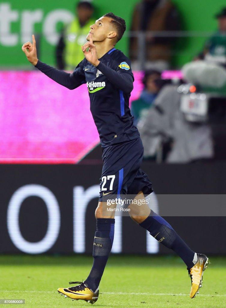 Davie Selke of Berlin celebrates his team's third goal during the Bundesliga match between VfL Wolfsburg and Hertha BSC at Volkswagen Arena on November 5, 2017 in Wolfsburg, Germany.