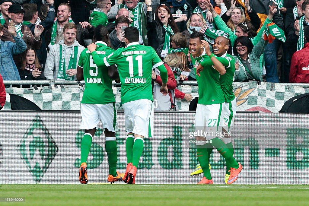 Davie Selke of Bremen celebrates after scoring their first goal during the First Bundesliga match between SV Werder Bremen and Eintracht Frankfurt at...