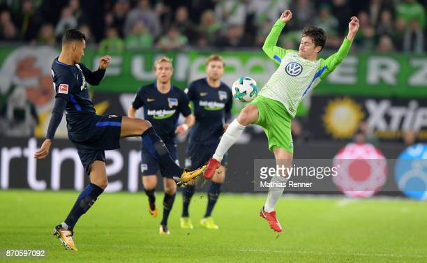 Davie Selke of Hertha BSC and Paul Verhaegh of VfL Wolfsburg during the game between VfL Wolfsburg and Hertha BSC on november 5 2017 in Wolfsburg...