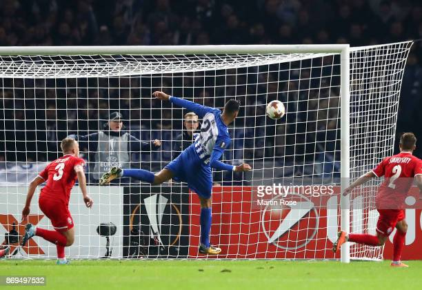 Davie Selke of Hertha BSC Berlin scores his sides first goal during the UEFA Europa League group J match between Hertha BSC and Zorya Lugansk at...