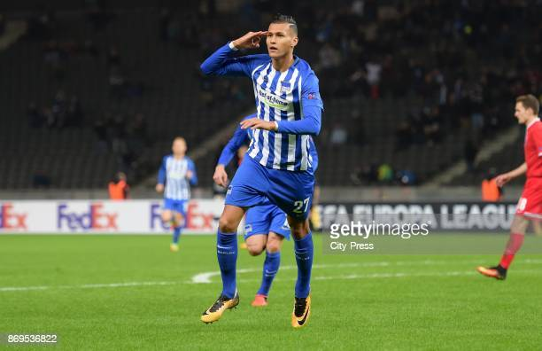 Davie Selke of Hertha BSC celebrates after scoring the 10 during the game between Hertha BSC and Zorya Luhansk on november 2 2017 in Berlin Germany
