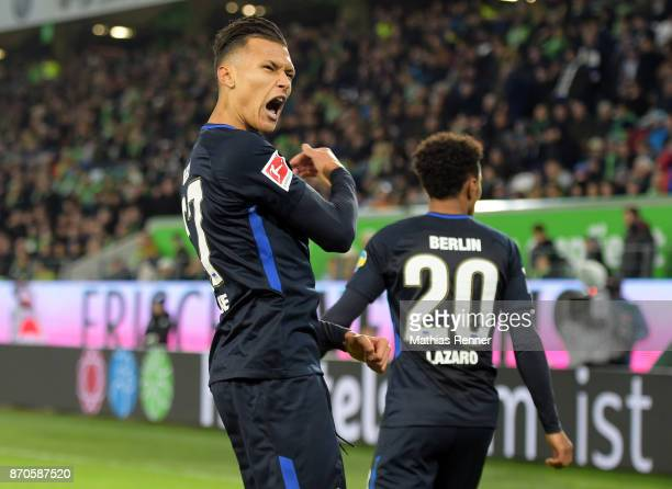 Davie Selke of Hertha BSC celebrates after scoring the 33 during the game between VfL Wolfsburg and Hertha BSC on november 5 2017 in Wolfsburg Germany