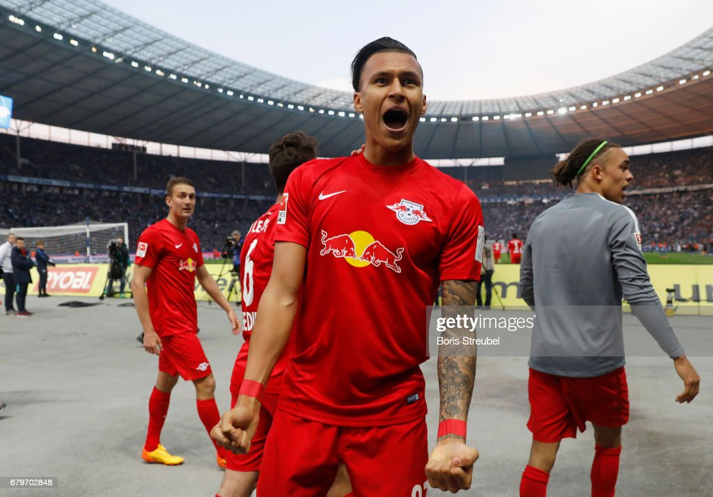 Davie Selke of RB Leipzig celebrates with team mates after scoring his team's third goal during the Bundesliga match between Hertha BSC and RB Leipzig at Olympiastadion on May 6, 2017 in Berlin, Germany.
