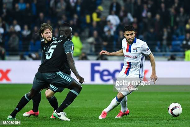 Davinson Sanchez of Ajax and Nabil Fekir of Lyon during the Uefa Europa League semi final second leg match between Olympique Lyonnais Lyon and Ajax...