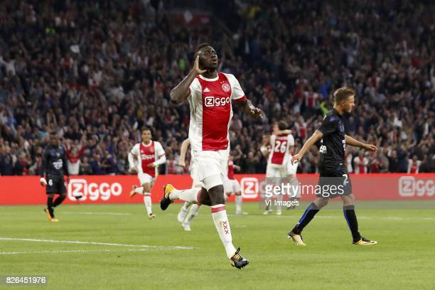Davinson Sanchez of Ajax Arnaud Souquet of OCG Nice during the UEFA Champions League third round qualifying first leg match between Ajax Amsterdam...