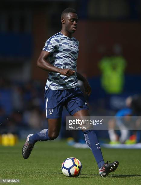 Davinson Sanchez of Tottenham Hotspur warms up prior to the Premier League match between Everton and Tottenham Hotspur at Goodison Park on September...