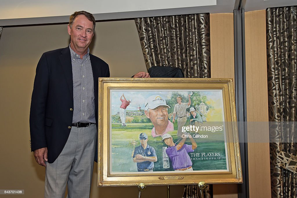 <a gi-track='captionPersonalityLinkClicked' href=/galleries/search?phrase=Davis+Love+III&family=editorial&specificpeople=564618 ng-click='$event.stopPropagation()'>Davis Love III</a> recives the 2016 Ambassador of Golf Award prior to the World Golf Championships-Bridgestone Invitational at Firestone Country Club on June 29, 2016 in Akron, Ohio.