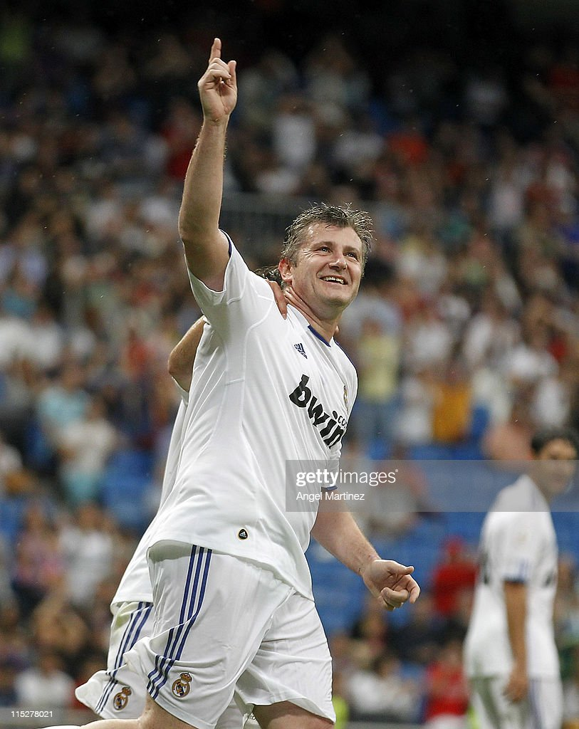 <a gi-track='captionPersonalityLinkClicked' href=/galleries/search?phrase=Davor+Suker&family=editorial&specificpeople=235899 ng-click='$event.stopPropagation()'>Davor Suker</a> of Real Madrid celebrates after scoring during the Corazon Classic Match between Allstars Real Madrid and Allstars Bayern Muenchen at Estadio Santiago Bernabeu on June 5, 2011 in Madrid, Spain.