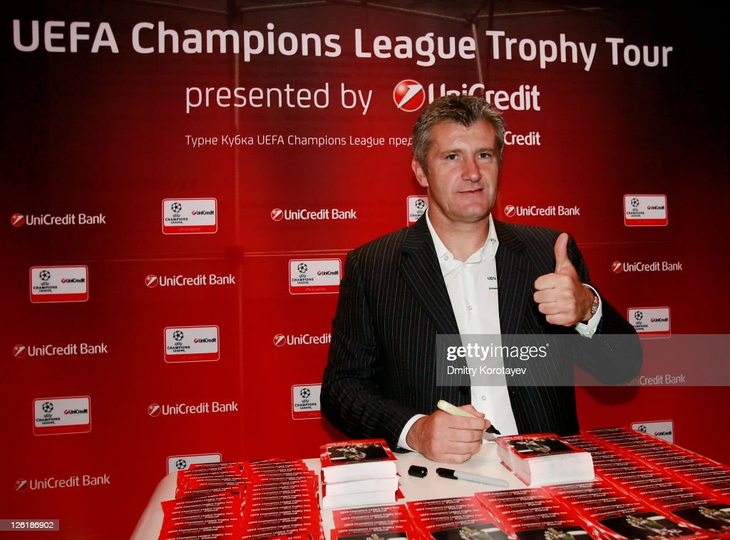 Davor Suker signs autographs for the fans during the UEFA Champions League Trophy Tour 2011 on September 23, 2011 in Moscow, Russia.