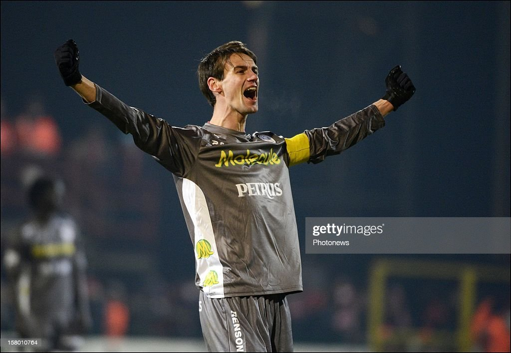 Davy De Fauw of Zulte-Waregem celebrates during the Jupiler League match between Kv Kortrijk and Zulte Waregem on december 08, 2012 in Kortrijk, Belgium.