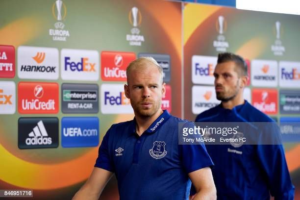 Davy Klaassen and Morgan Schneiderlin arrive before the UEFA Europa League Group E match between Atalanta and Everton at Mapei Stadium on September...