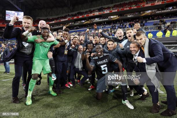 Davy Klaassen of Ajax goalkeeper Andre Onana of Ajax assistant trainer Hennie Spijkerman of Ajax Mateo Cassierra of Ajax Nick Viergever of Ajax...
