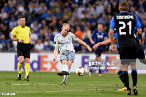 Davy Klaassen of Everton during the UEFA Europa League Group E match between Atalanta and Everton at Mapei Stadium on September 14 2017 in Reggio...