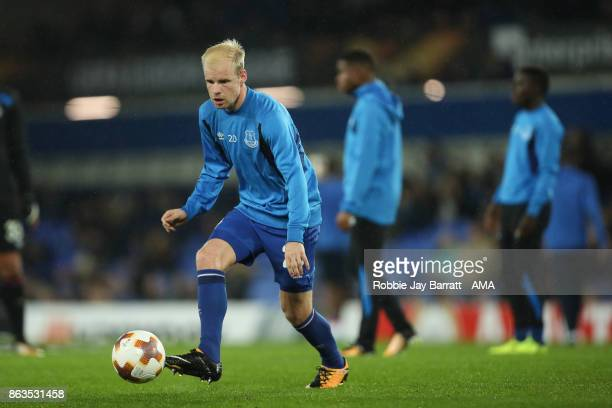 Davy Klaassen of Everton warming up prior to the UEFA Europa League group E match between Everton FC and Olympique Lyon at Goodison Park on October...