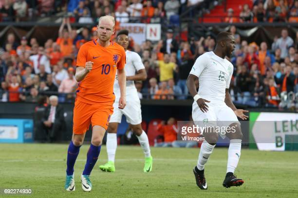 Davy Klaassen of Holland Diomande Ismael of Ivory Coastduring the friendly match between The Netherlands and Ivory Coast at the Kuip on June 4 2017...