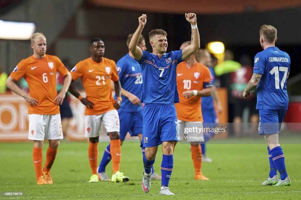 Davy Klaassen of Holland Quincy Promes of Holland Olafur Skulason of Iceland Johann Berg Gudmundsson of Iceland Wesley Sneijderof Holland Aron Einar...