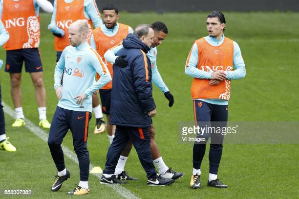 Davy Klaassen of Holland Tonny Vilhena of Holland coach Dick Advocaat of Holland Memphis Depay of Holland Karim Rekik of Holland during a training...