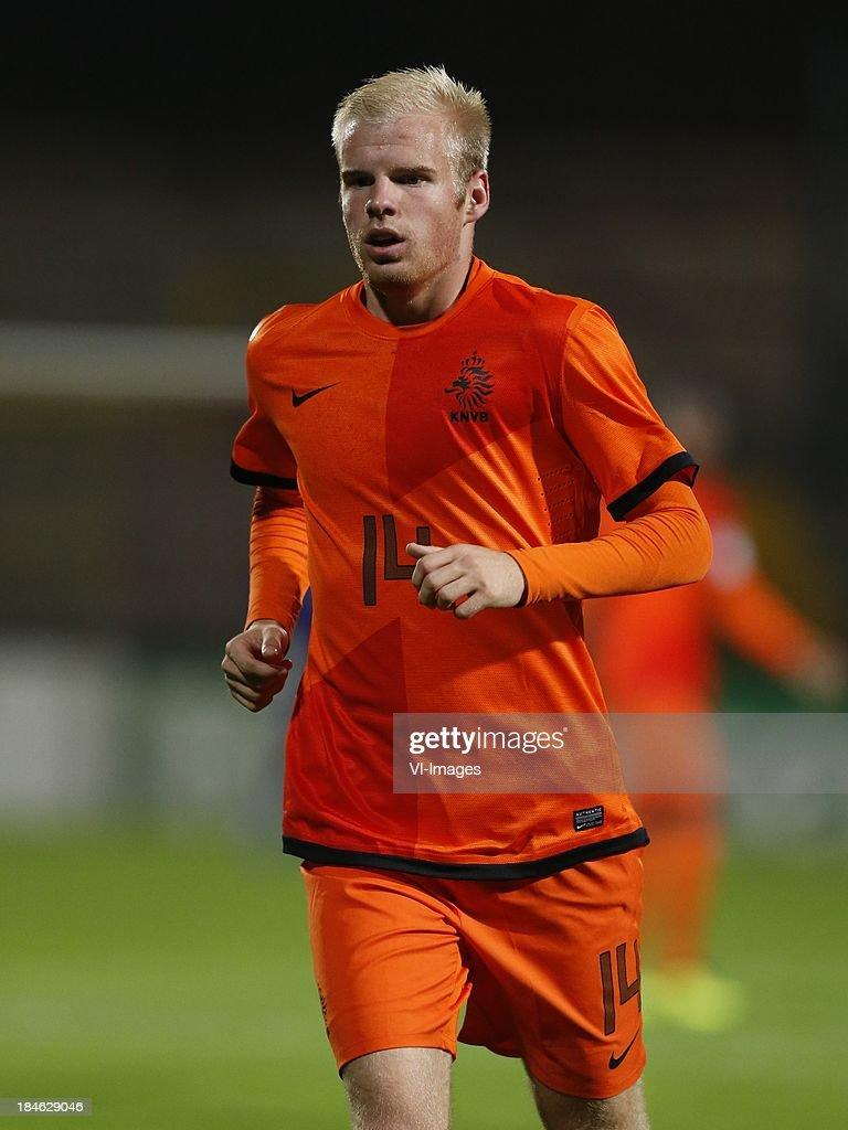 Davy Klaassen of Netherlands U21 during 2015 UEFA European U21 Championships Qualifier match between the Netherlands U21 and Austria U21 at the Adelaarshorst on Oktober 14, 2013 in Deventer, The Netherlands