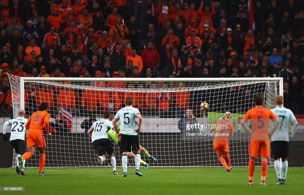 Davy Klaassen of the Netherlands (7) scores their first goal from a penalty during the international friendly match between Netherlands and Belgium at Amsterdam Arena on November 9, 2016 in Amsterdam, Netherlands.