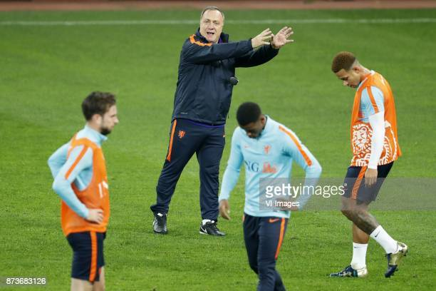 Davy Propper of Holland coach Dick Advocaat of Holland Georginio Wijnaldum of Holland Memphis Depay of Holland during a training session prior to the...