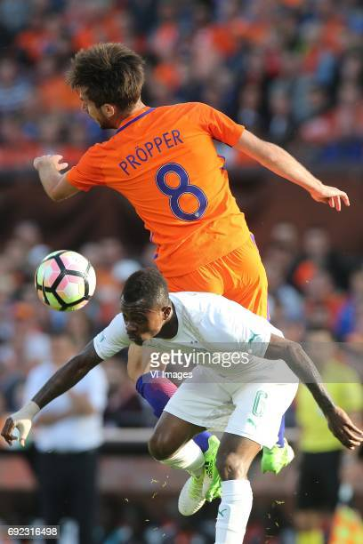 Davy Propper of Holland Jean Michael Seri of Ivory Coastduring the friendly match between The Netherlands and Ivory Coast at the Kuip on June 4 2017...