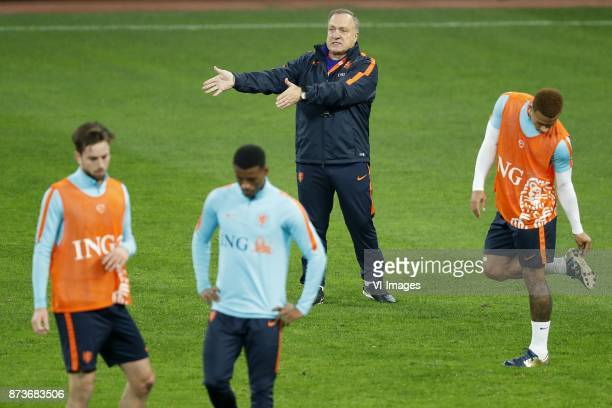 Davy Propper of HollandGeorginio Wijnaldum of Holland coach Dick Advocaat of Holland Memphis Depay of Holland during a training session prior to the...