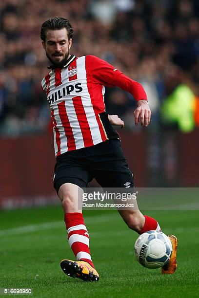 Davy Propper of PSV in action during the Eredivisie match between PSV Eindhoven and Ajax Amsterdam held at Philips Stadium on March 20 2016 in...